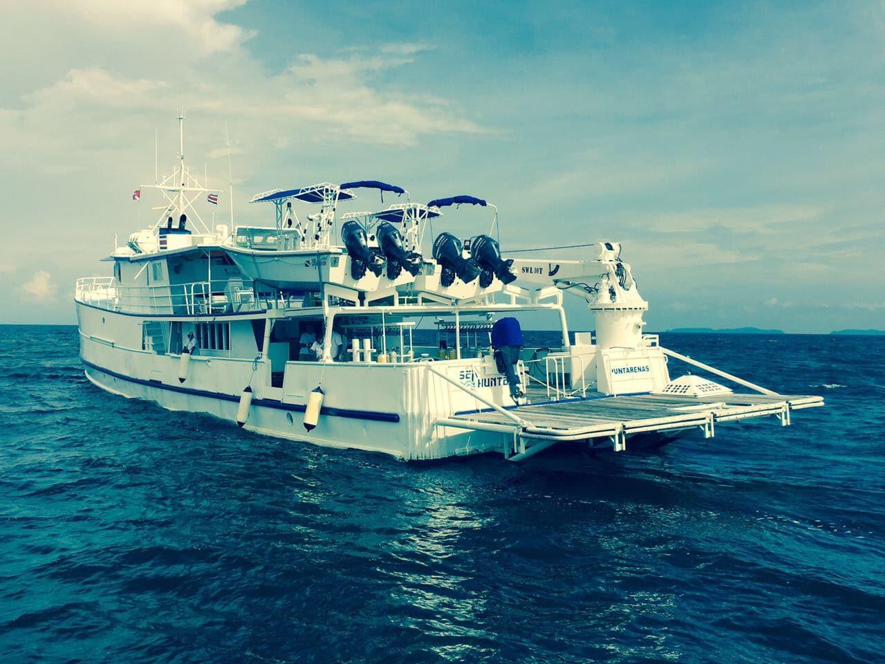 undersea hunter boat cocos island