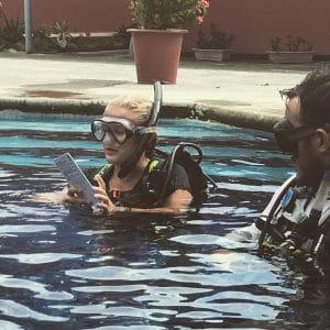 women scuba instructor